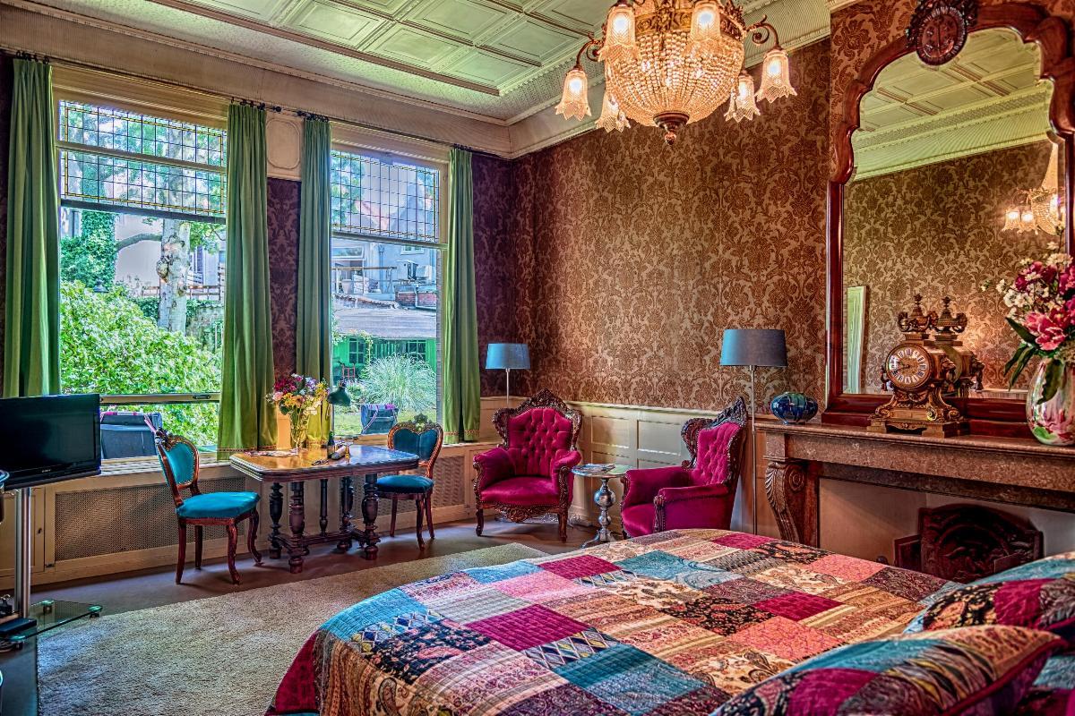 bed en breakfast in het hart van haarlem. Black Bedroom Furniture Sets. Home Design Ideas